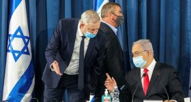 نتنياهو وغانتس يهددان غزة بعدوان جديد