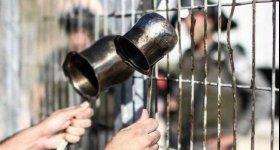 16 أسيرا يواصلون إضرابهم المفتوح عن الطعام رفضا لاعتقالهم الإداري