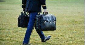 بايدن يتسلم الحقيبة النووية وسط إجراءات ...