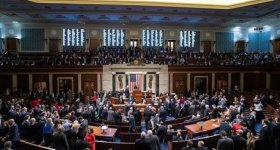 أعضاء في مجلس الشيوخ الأميركي يطالبون ...