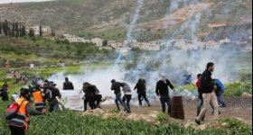 10 إصابات خلال اعتداء الاحتلال على ...