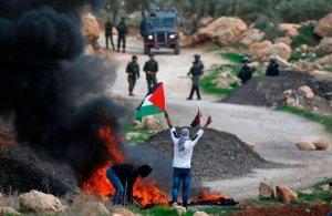 صحيفة عبرية: الضفة تغلي وانتفاضة فلسطينية في الطريق