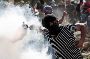 اعتقالات وإصابات خلال مواجهات مع الاحتلال في عدّة مناطق بالضفة