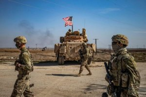 الجيش الأمريكي ينقل معداته من قطر إلى دولة عربية أخرى
