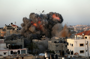 الاحتلال يكثف ضغوطه السياسية للإفراج عن جنوده في غزة وحماس ترفض ربط ملف الجنود بإعادة الإعمار